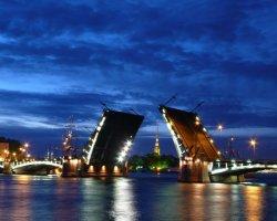 Ночные экскурсии по Петербургу