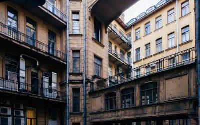 Необычные дома и дворы Петербурга