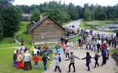 Выпускной в Пушкинском заповеднике Бугрово